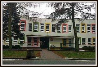 Budynek szkoły przy ul. Staszica 17