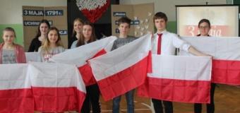 Samorząd Uczniowski pamięta o naszych narodowych barwach