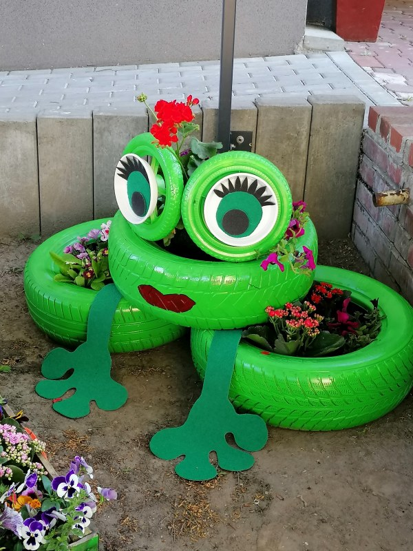 Kwietnik -żaba.